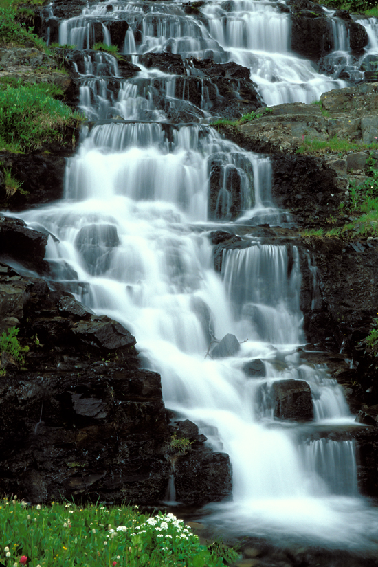 Waterfall Photo - Phot...